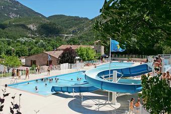 Campeggio castellane for Camping proche des gorges du verdon avec piscine