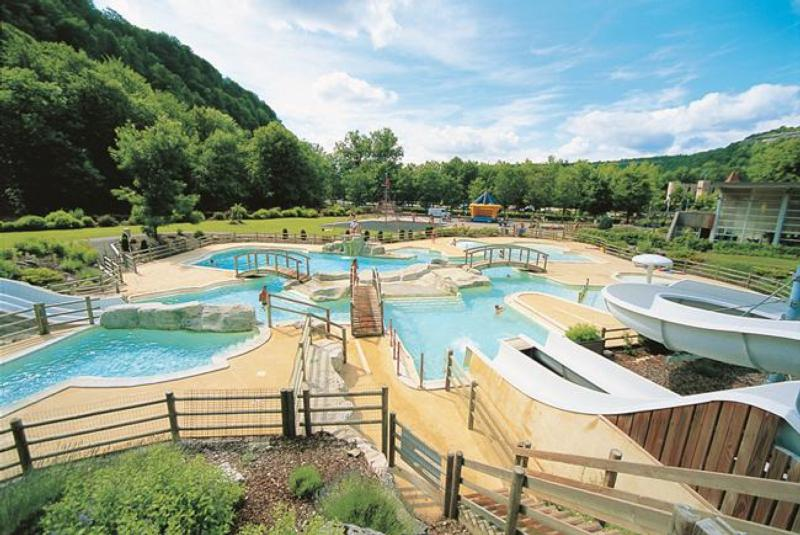 Camping chalain le domaine