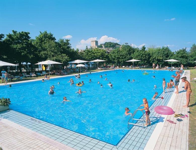 Campingplatz parco delle piscine sarteano for Camping delle piscine sarteano siena
