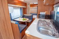 Mietwohnwagen Lux caravan (2adults+2children) sea view 2+3 row